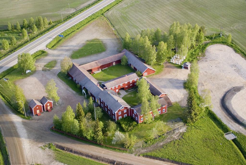 Hämes-Havusen talonpoikaisrakennusten kokonaisuus ilmasta