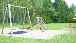 Välitien leikkipuisto.