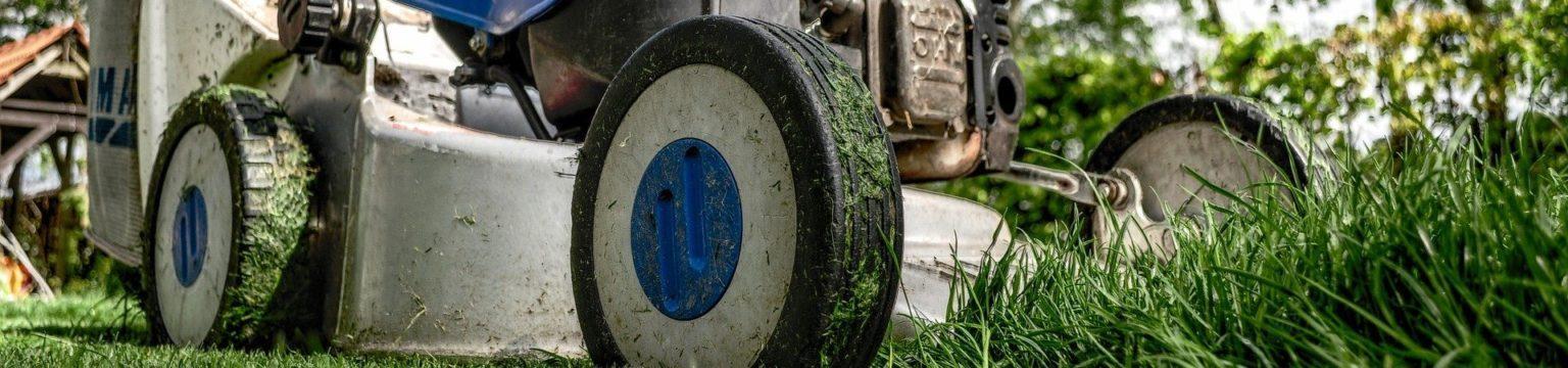 Kuva ruohonleikkurista